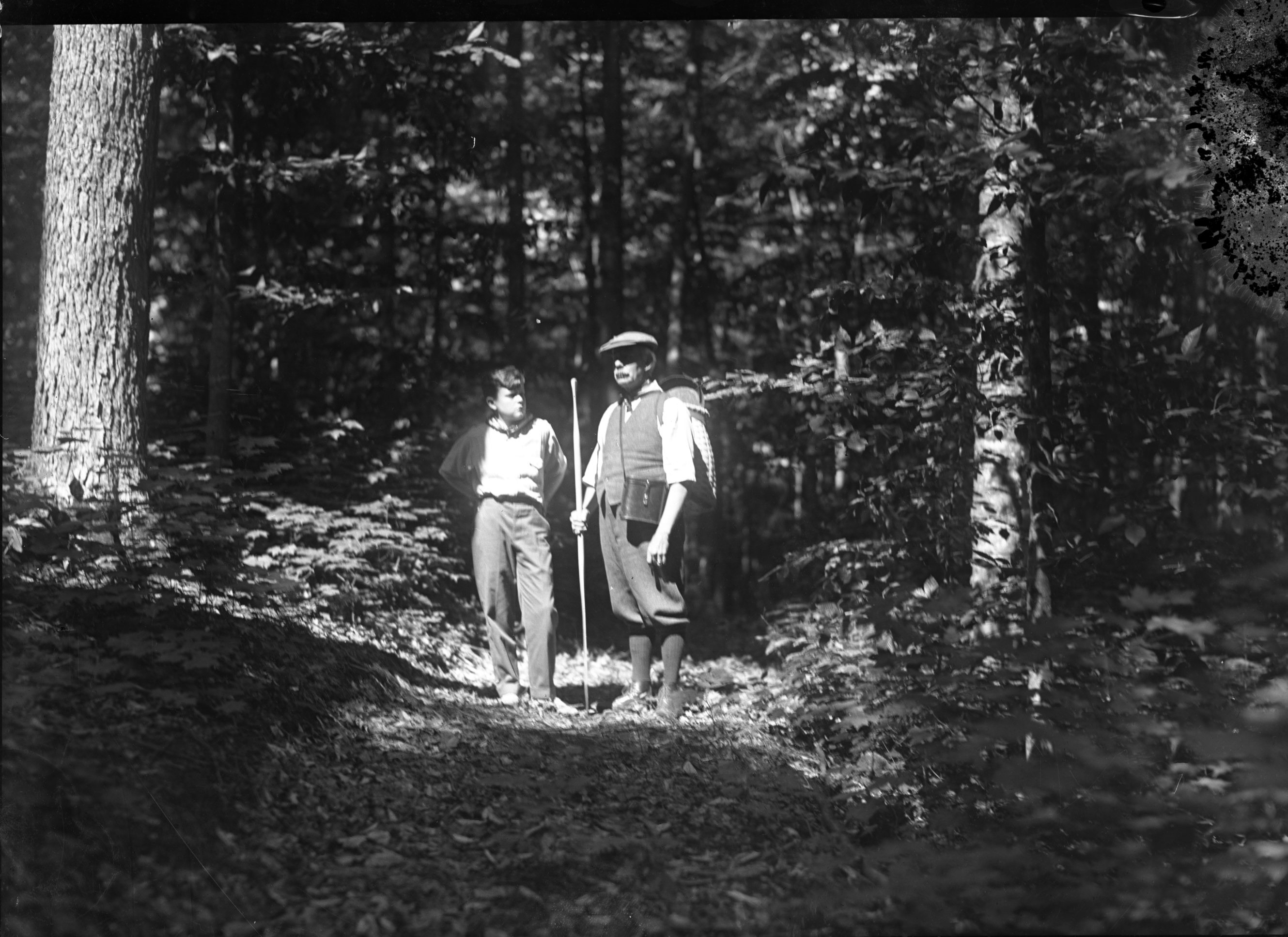man-and-boy-hiking-in-summer-5x7-4880